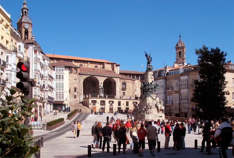 Plazade la Virgen Blanca, en Vitoria