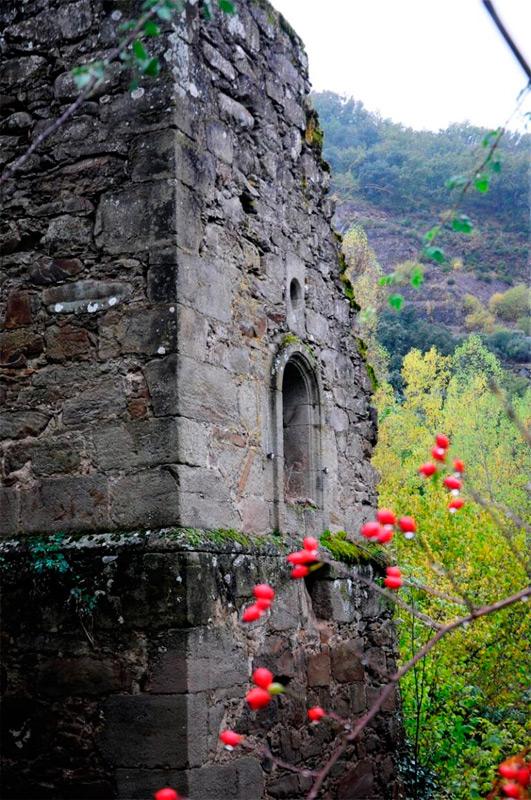 Ruinas en Cerezal de Tremor