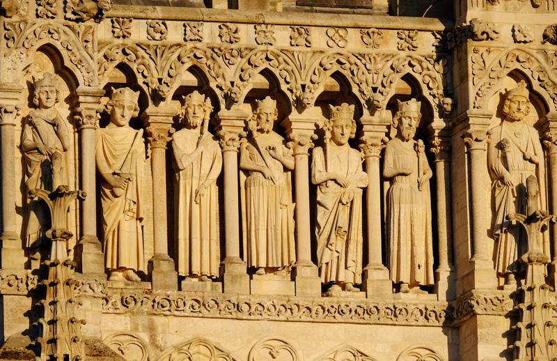 Friso escultorico catedral amiens