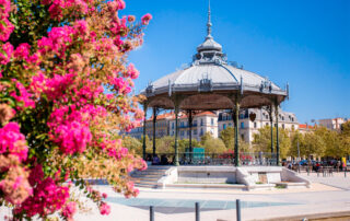 Kiosco de los Enamorados de Rayond Peynet en Valence